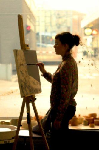 女性の画家